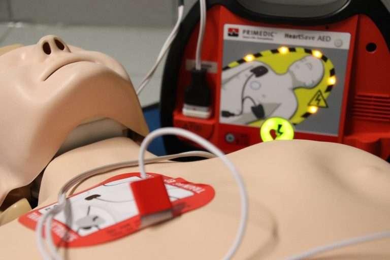 mannequin-defibrillation