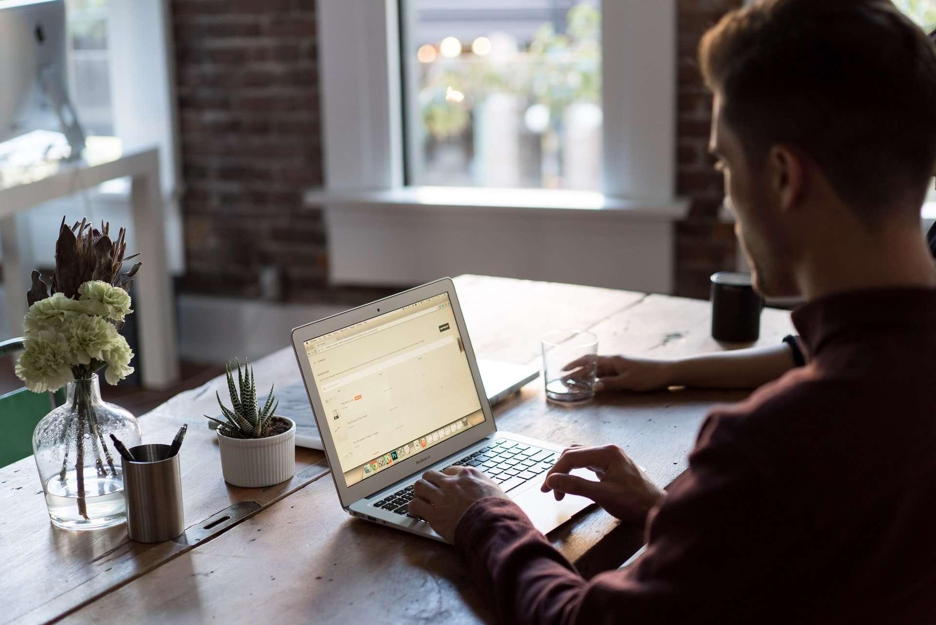 Un chèque pour accélérer la transition numérique des commerces