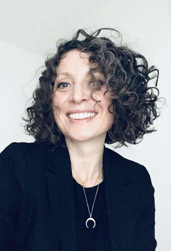 portrait de Hélène, directrice de projet et experte CRM